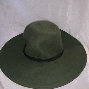 Army green Vince Camuto hat  faux leather trim